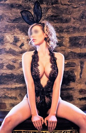 Nayeli erotic massage in Greeley