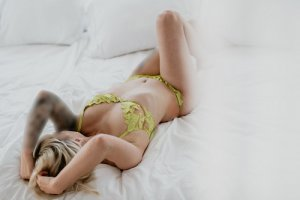 Coralia couple escorts in Sierra Madre, CA